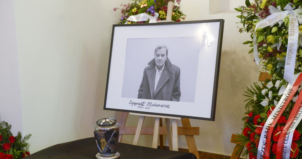 The funeral of Zygmunt Malanovic.  The stars bid farewell to the outstanding actor