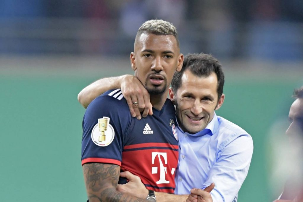 """This is how Jerome Boateng learned to leave Bayern Munich.  """"It's good that he didn't tell him on the toilet."""""""