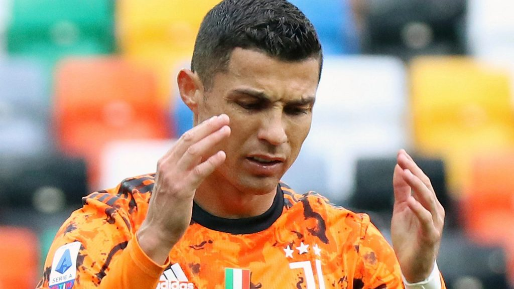Media: Juventus players have enough Cristiano Ronaldo.  He lost his role as a football leader